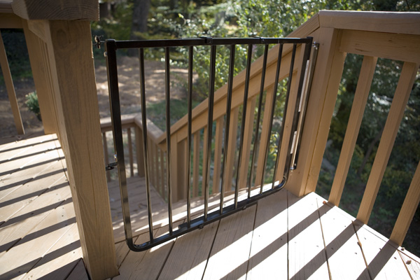 Stairway Pet Gate For Outdoors in Black SS30A