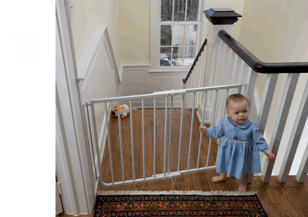 Stairway Baby Gate U2013 White (27.5 To 42.5 Inches)
