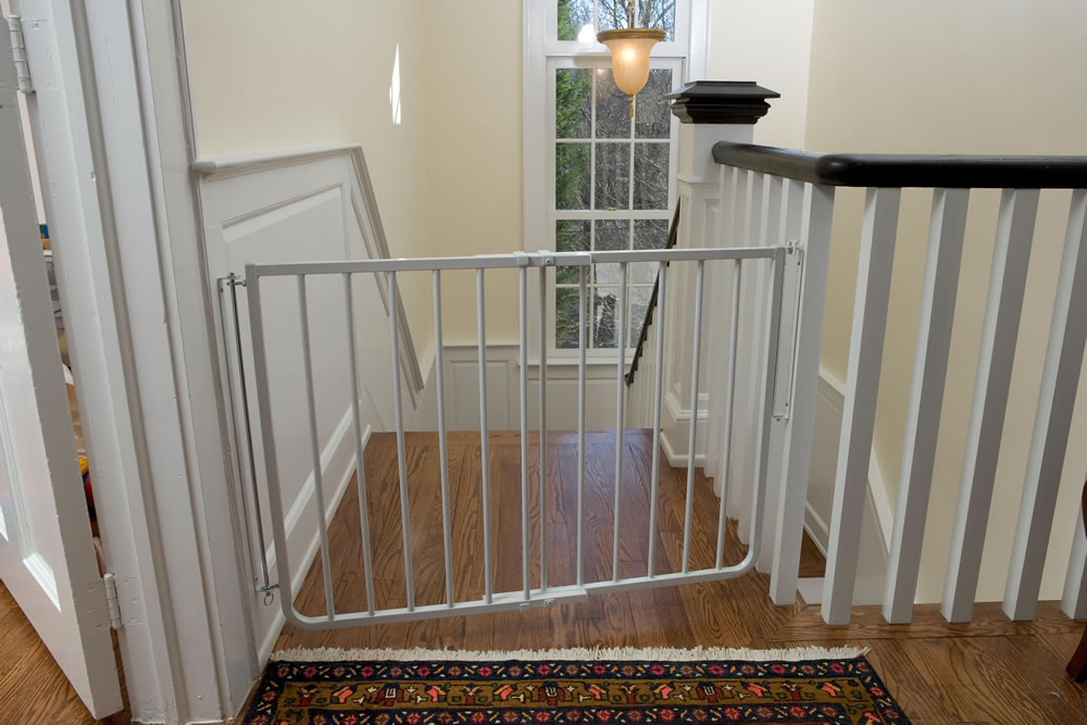 Stairway Baby Gate Plus 32 Package U2013 White (59.25 To 74.75 Inches)