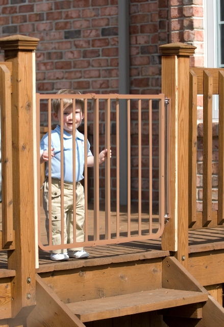 Stairway Baby Gate For Outdoors in Brown SS30-OD3