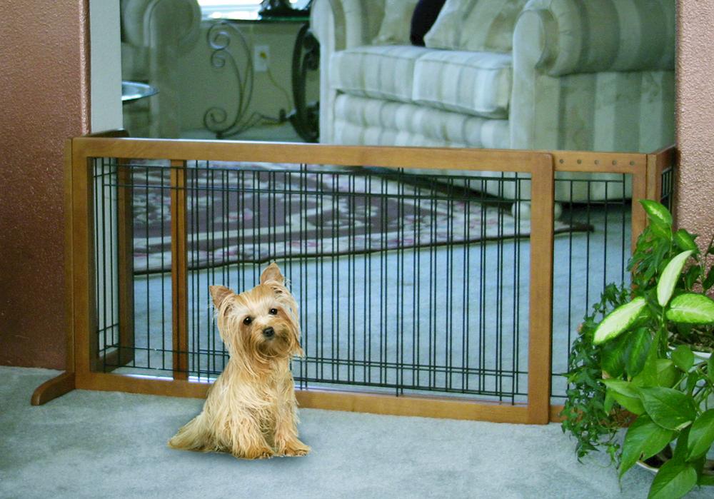 94136 Freestanding Large Pet Gate – Brown (40 to 70)